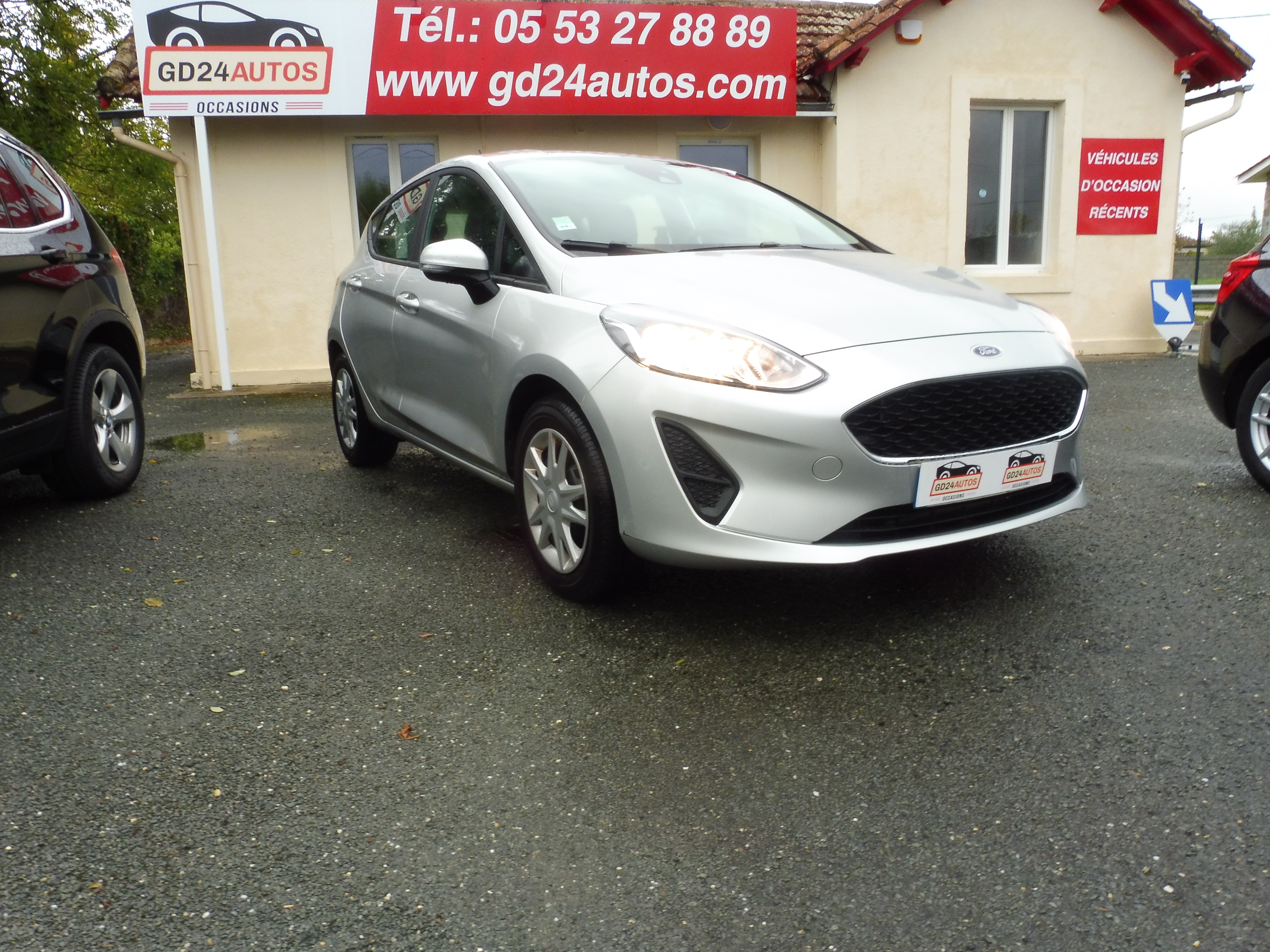 Nouvelle FORD Fiesta 1.1 70 ch Essential 5 p /5900 kms!!/GPS 1ère main