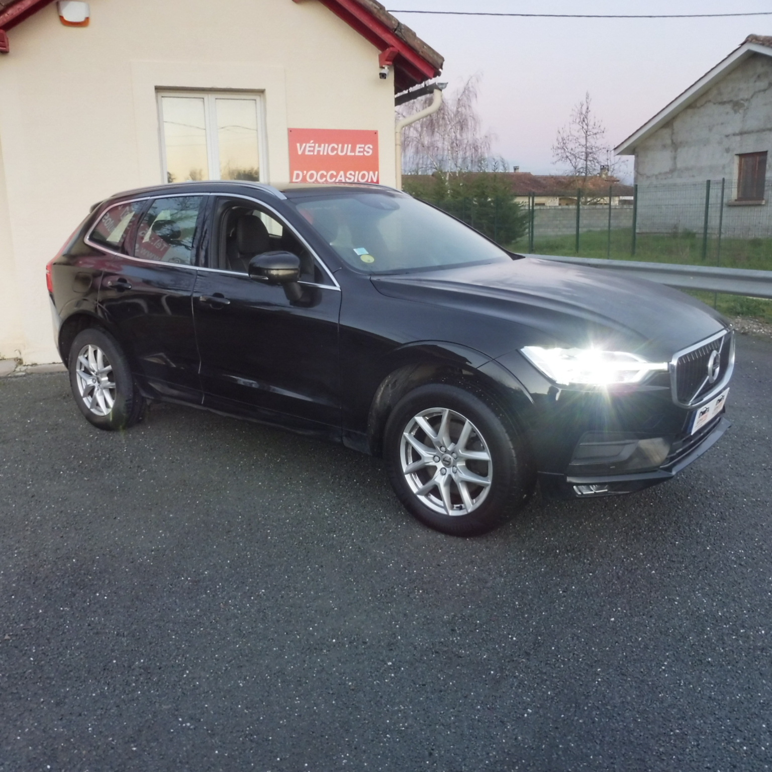 VOLVO XC60 AWD 190 ch AdBlue Geatronic 8 Business Executive +options